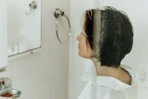 femme apres la douche
