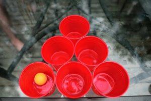 gobelet plastique rouge