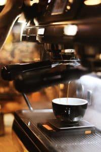 utiliser une machine cafe