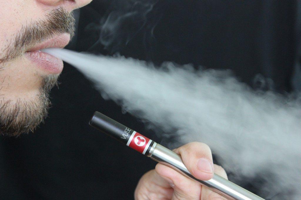 Prendre ma cigarette électronique dans l'avion avec mes liquides et non dans la soute